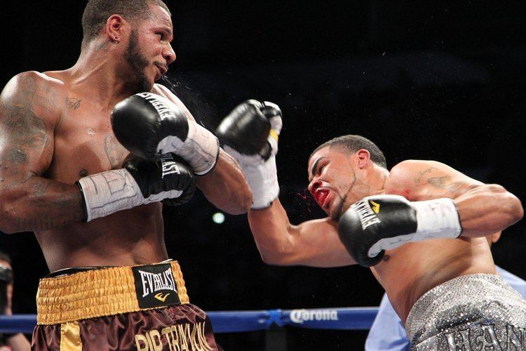 Anthony Dirrell Flint boxer Anthony Dirrell dogs Anthony Hanshaw with third round