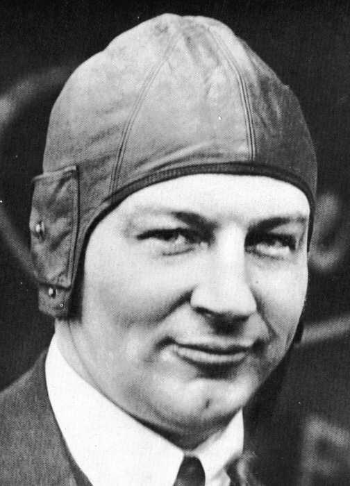 Anthony Fokker Fokker V8 the five wing Fokker