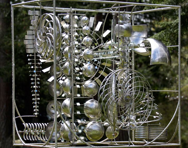 Anthony Howe (kinetic sculptor) Anthony Howe39s Dazzling Kinetic Sculptures Come to Life