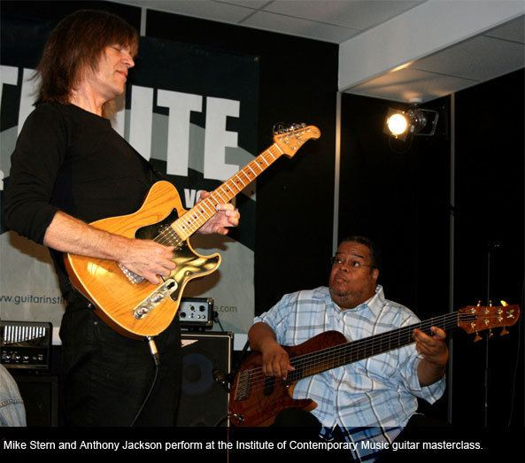 Anthony Jackson (musician) Student review of The Instutute39s Mike Stern and Anthony