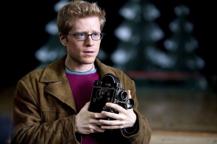 Anthony Rapp Nearly 20 Years After quotRentquot Anthony Rapp Is Desperately