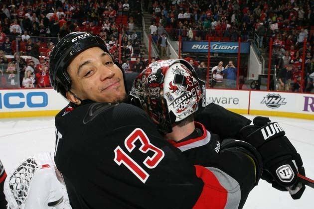 Anthony Stewart (ice hockey) Hockey Hugs Tiny St Louis Cuddles from the Beanpot Anthony