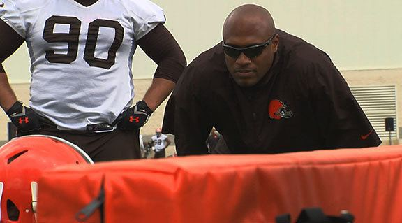 Anthony Weaver Uncovering defensive line coach Anthony Weaver