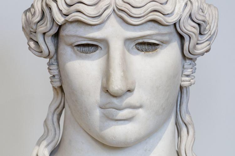 Antinous Mondragone FileAntinous Mondragone Louvre Ma1205 n7jpg Wikimedia Commons