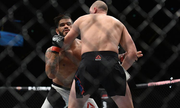 Antônio Silva (fighter) Following 16second TKO loss 39Bigfoot39 Silva challenges detractors