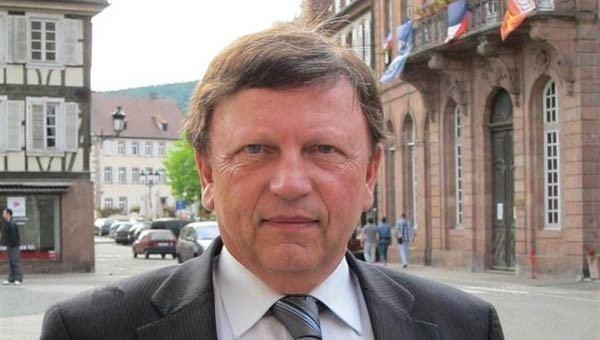 Antoine Waechter Ipsos place Antoine Waechter en tte des personnalits