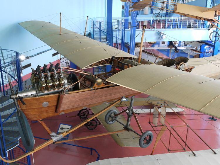Antoinette VII FileAntoinette VII vue de travers avant Musee du Bourget P1010353