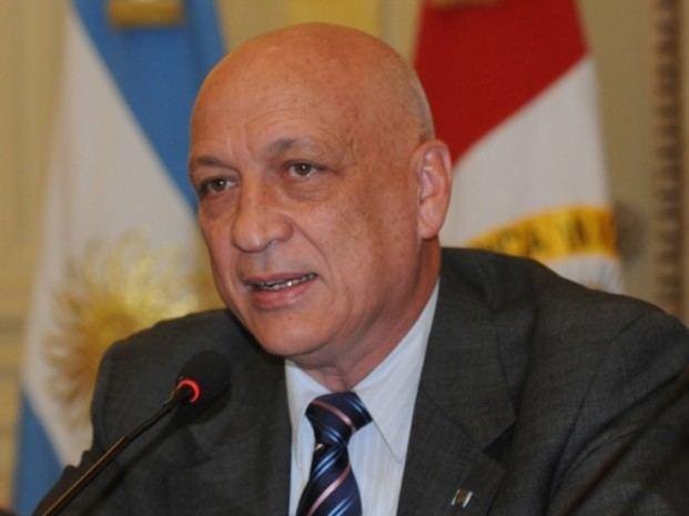 Antonio Bonfatti Mensaje mafioso balearon la casa del gobernador de Santa