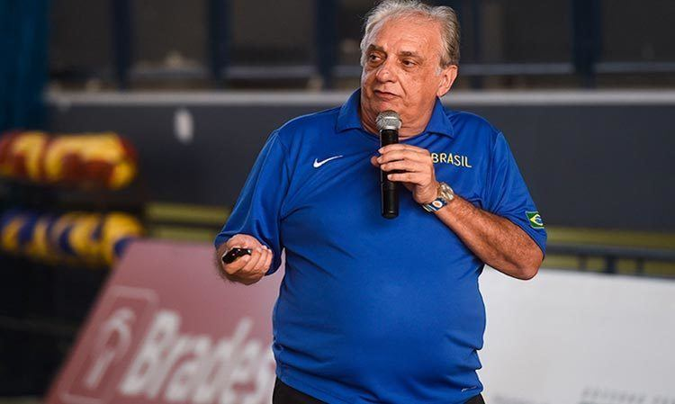 Antonio Carlos Barbosa Antonio Carlos Barbosa volta ao comando da Seleo Brasileira