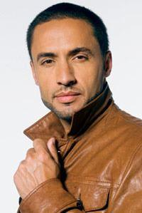 Antonio Vega httpsuploadwikimediaorgwikipediaen11fKam