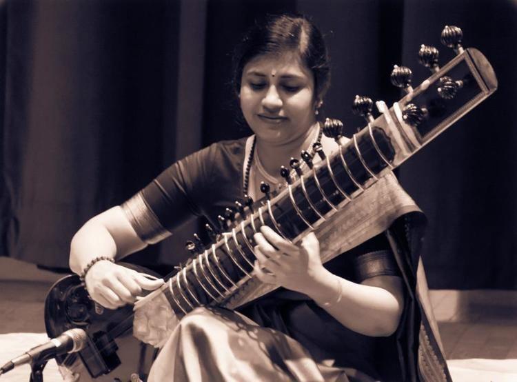 Anupama Bhagwat Hindustani Sitar recital by Smt Anupama Bhagwat Margazhi