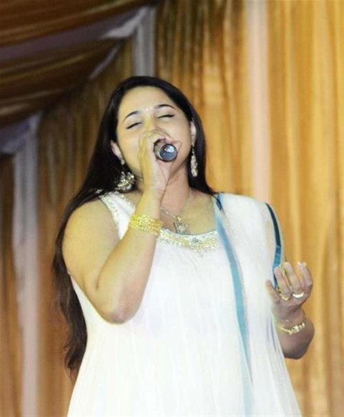 Anuradha Bhat Anuradha Bhat Singer Official Contact Website for Booking