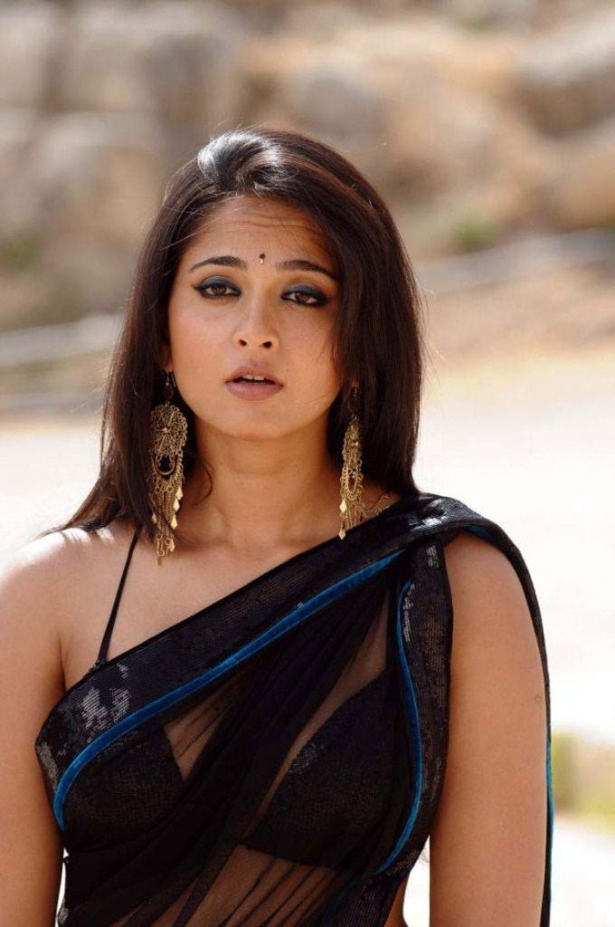 Anushka Shetty ANUSHKA SHETTY Review Wallpapers Movies ANUSHKA