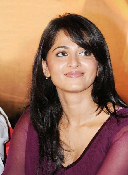 Anushka Shetty Slide 11 Anushka Shetty Photo Gallery Hot Photos Images
