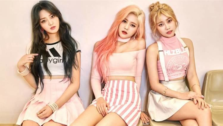 AOA Cream AOA Cream bring their sweetness to the pages of 39Cosmopolitan