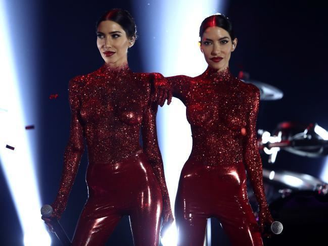ARIA Music Awards of 2016 ARIA Awards 2016 The Veronicas went topless but were hit by a sound