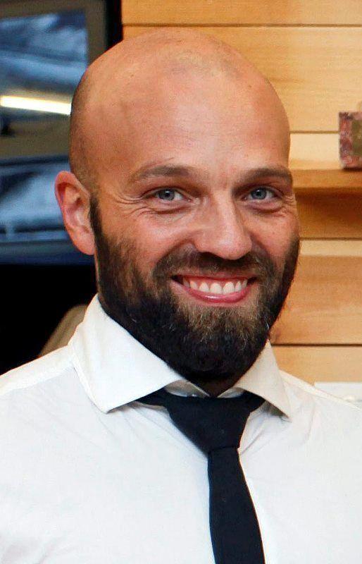 Arnar Gunnlaugsson Wellknown brothers hope to open a hostel in Reykjavk39s