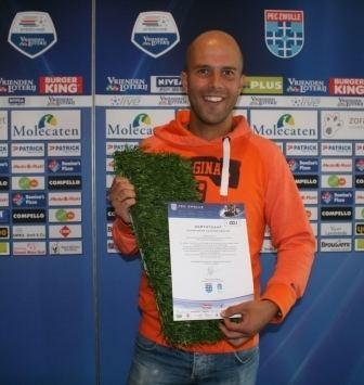 Arne Slot Arne Slot ontvangt eerste stukje 39kampioensgras