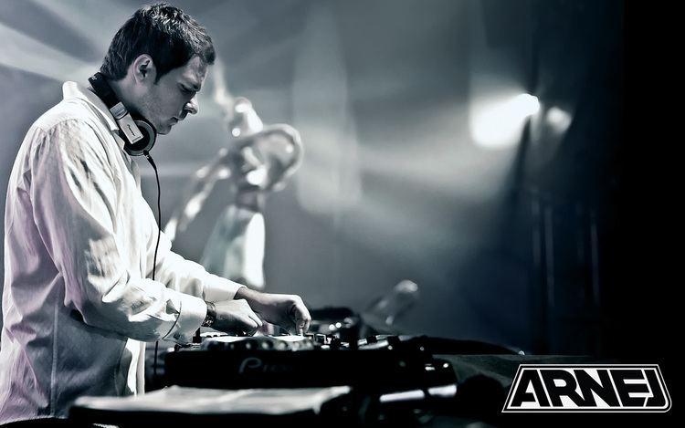 Arnej Arnej b2b Simon Patterson Live Sets amp DJ Mixes