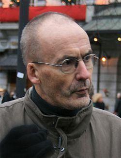 Arnold Juklerød httpsuploadwikimediaorgwikipediacommonsthu