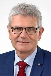 Artur Auernhammer httpswwwbundestagdeimage240718Hochformat