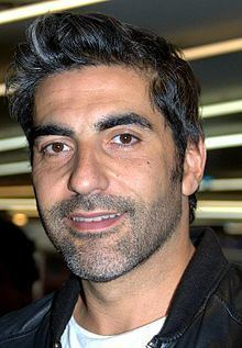 Ary Abittan httpsuploadwikimediaorgwikipediacommonsthu