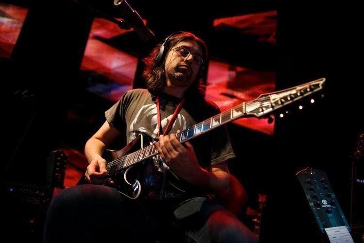 Asad Ahmed wwwpakiumpkwpcontentuploads201204Asadahme