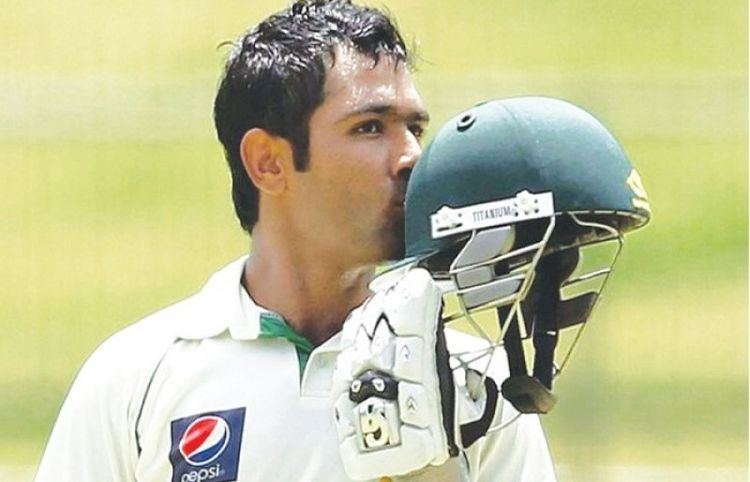 Good performance to put English under pressure in test Asad Shafiq