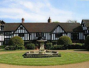 Ascott House httpsuploadwikimediaorgwikipediaenthumbd