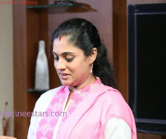 Asha Aravind Asha Aravind Malayalam Film Actress Photo Gallery and Biography