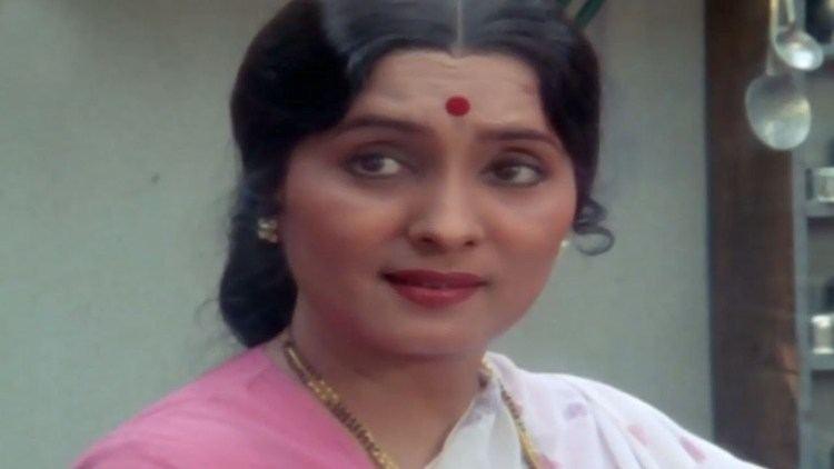 Asha Kale Mohan Joshi Asha Kale Nashibwan Marathi Scene 124