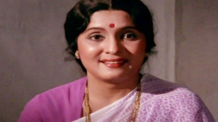 Asha Kale Mohan Joshi Asha Kale Nashibwan Marathi Scene 624