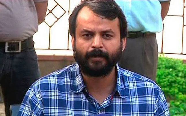 Ashish Khetan AAP leader Aashish Khetan loses cool threatens journalists after