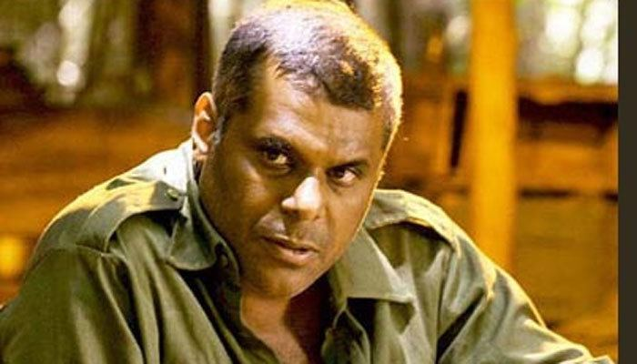 Ashish Vidyarthi Policeman rescues Ashish Vidyarthi from drowning on set