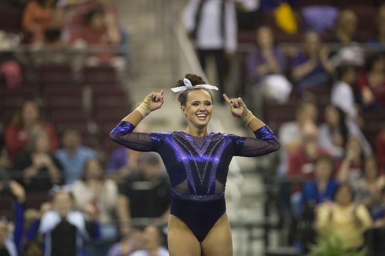 Ashleigh Gnat LSU gymnastics Ashleigh Gnat lands perfect 10 on vault