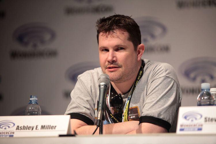 Ashley Miller (screenwriter)