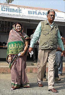 Ashok Veer Vikram Singh Buy BHAIYA RAJA WITH HIS WIFE ASHA RANI Image India Today Images