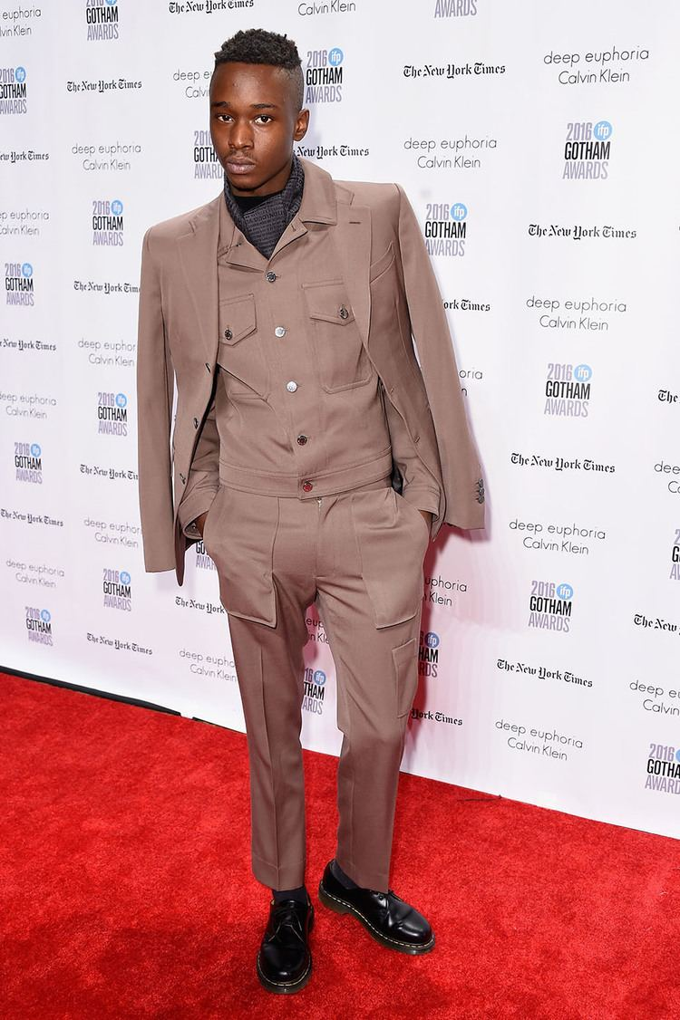 Ashton Sanders Moonlight39 Actor Ashton Sanders Is One to Watch on the Red Carpet