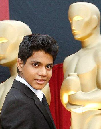 Ashutosh Lobo Gajiwala rediffcom When a 39Slumdog39 shook hands with Brad Pitt