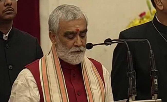 Ashwini Kumar Choubey Reshuffle BJP Veteran Ashwini Kumar Choubey Joins PM Narendra