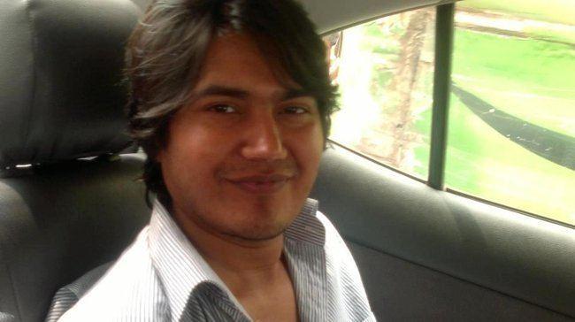 Asif Mohiuddin Acuchillado en plena calle el bloguero Asif Mohiuddin