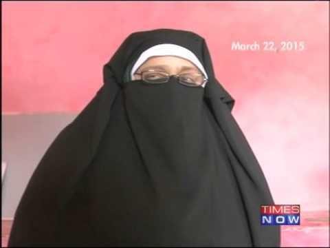Asiya Andrabi I Hoisted Pakistan Flag amp Sung Pakistani National Anthem