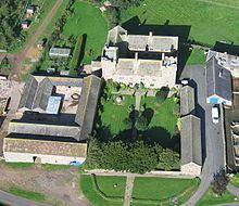 Askerton Castle httpsuploadwikimediaorgwikipediacommonsthu