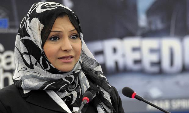 Asmaa Mahfouz Activist Asmaa Mahfouz banned from travelling Daily News Egypt
