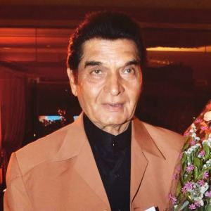 Asrani Asrani Birthday Real Name Family Age Weight Height Wife