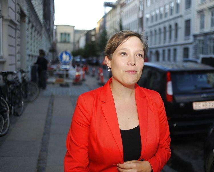 Astrid Krag Avis Alle SFs ministre sttter Astrid Krag Politik