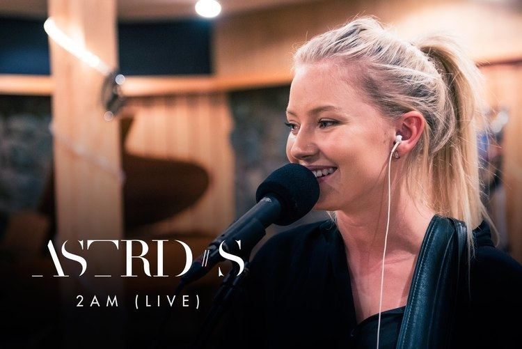 Astrid S Astrid S 2AM Live YouTube