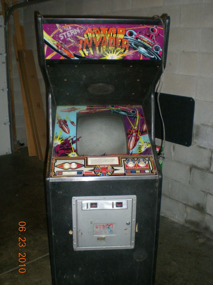 Astro Invader Yesterday39s pick up Astro Invader KLOVVAPS Coinop Videogame