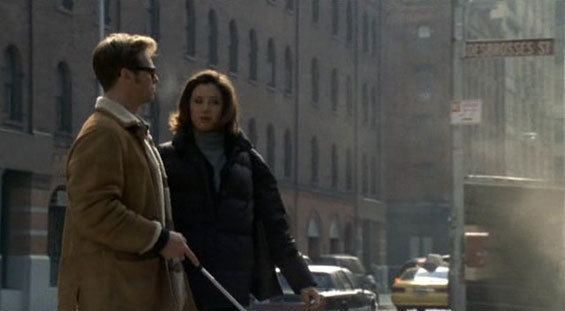 At First Sight (1999 film) movie scenes The difficult road to understanding the visual world tests their relationship The strain is taken to the limits when Virgil begins to lose his sight once