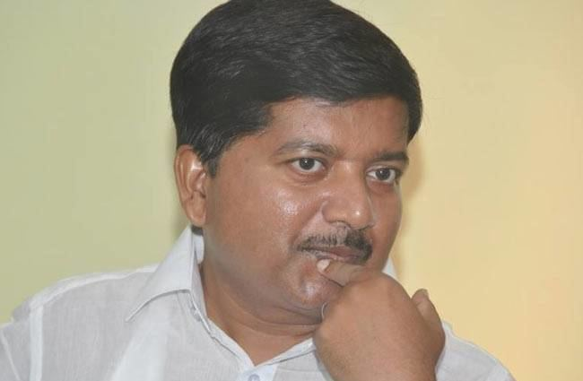 Atanu Sabyasachi Nayak odisha health minister atanu sabyasachi nayak resigns after sum